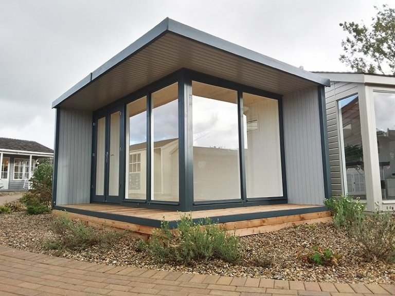 Brighton's 3.2 x 4.4m Holt Studio painted in Exterior Slate and Pebble