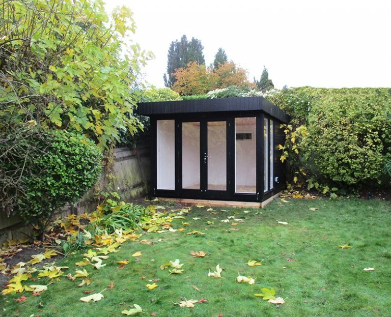 3.0 x 3.0m Black Painted Salthouse Studio with Ivory Interior