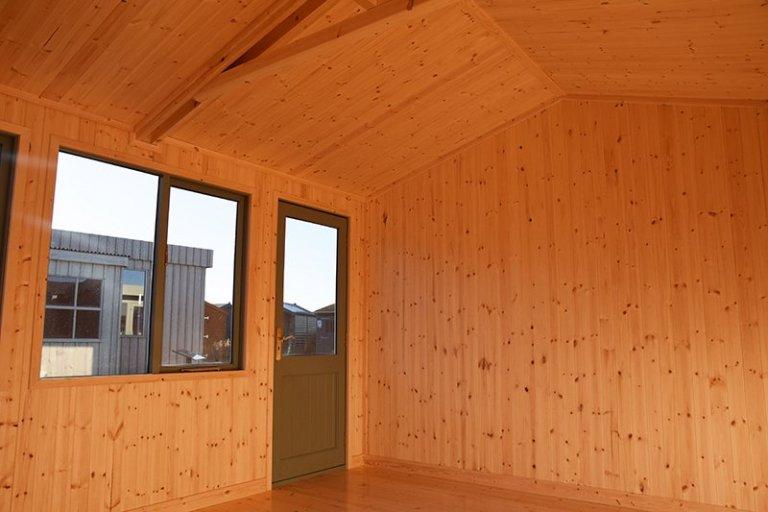 Inside Narford's 3.6 x 4.2m Langham Studio