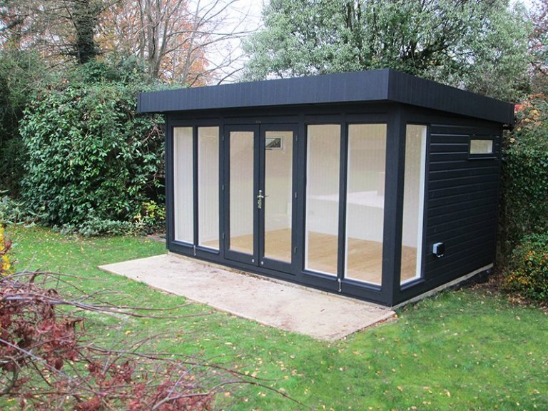 3.0 x 4.2m Salthouse Studio painted in Farrow & Ball Off-Black with Fanlight Windows in each side