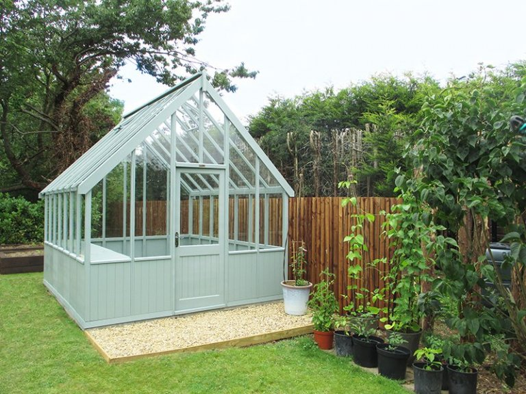 3.0 x 3.6m Greenhouse in Exterior Sage Paint