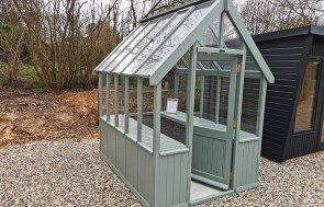 1.8 x 2.4m Greenhouse Walkthrough