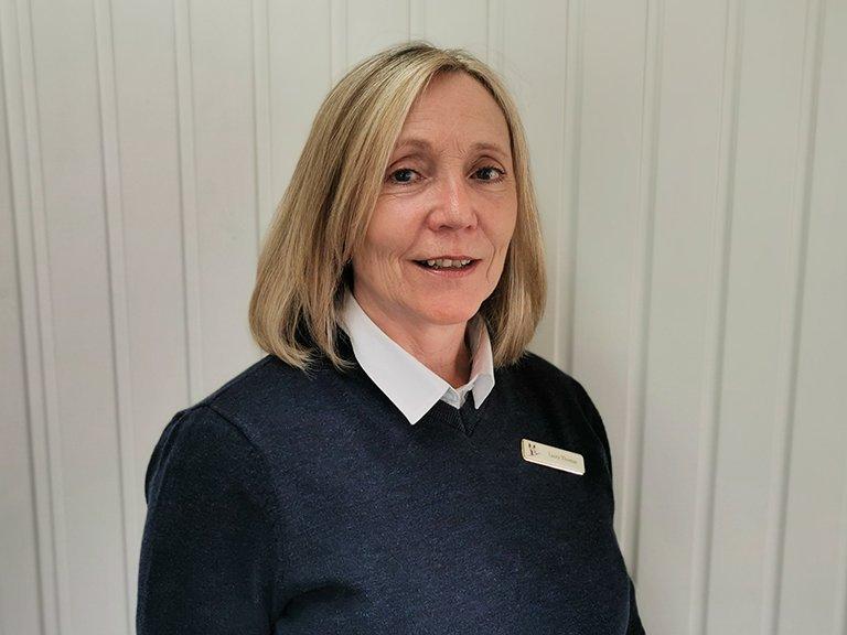Laura<br/> Sales Consultant