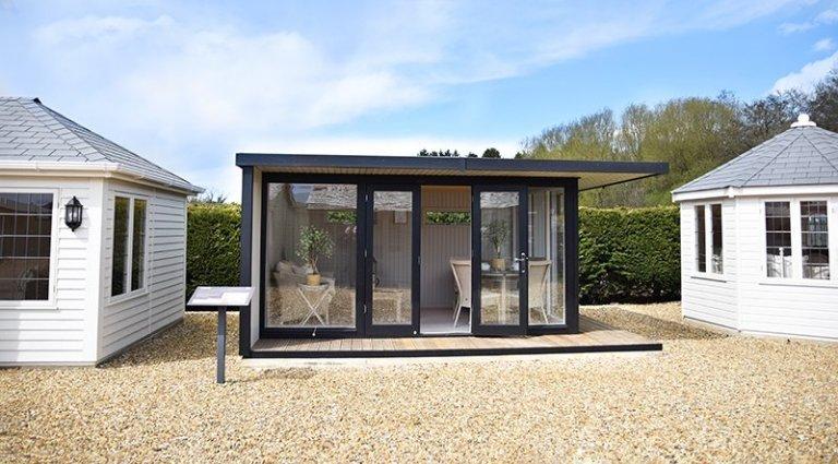 3.8 x 5.0m Holt Studio in Exterior Black & Pebble