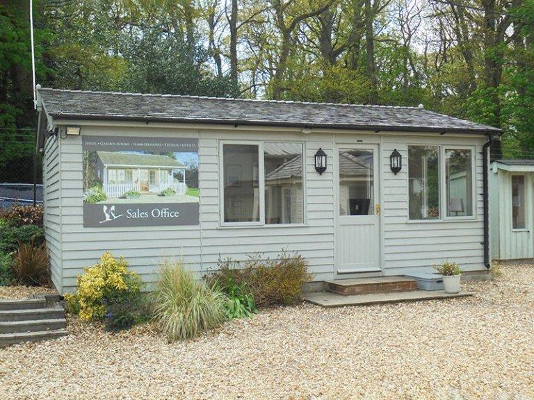 Newbury Sales Office - 4.2 x 6.6m Langham Studio in Exterior Pebble Paint
