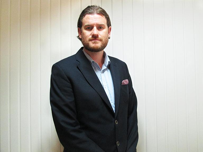 Simon<br/> Sales Consultant