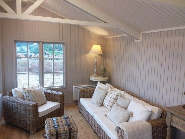 Interior of Brighton's 4.8 x 4.8m Pavilion Garden Room with F&B Elephant's Breath Walls and Slipper Satin Ceiling